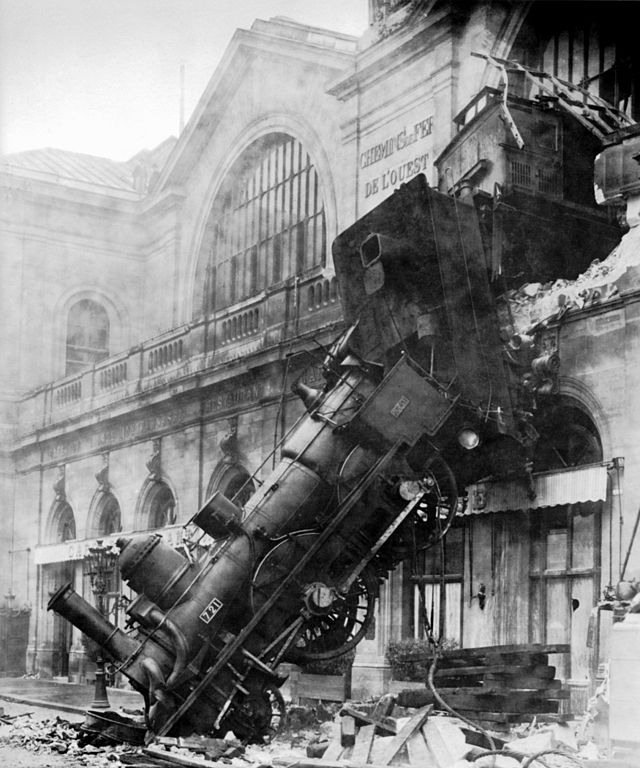 Derailed train at Gare Montparnasse, Paris, France, 1895 http://t.co/LKX4PpJc4U