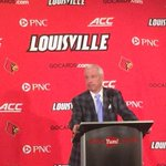 """#UNC coach Roy Williams says Cards """"kicked our butt"""" in 78-68 OT loss to #Louisville @kfc_yumcenter @840WHAS http://t.co/Duy1ItDiWv"""