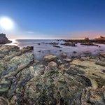 Punta Carnero #Algeciras formado por el extremo oriental del cerro de la Horca @algecirasmgusta @andaluciaparais http://t.co/8qG4q1UzZo