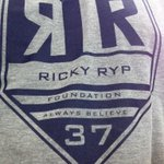 @kayyhong @RickyRyp @WHLHurricanes me too...how about @esther_madziya @tamaranel @thorny_18 @terryjhuisman @dforbes91 http://t.co/4wXvyNIXAK