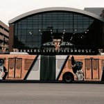 On your way in to the game, see the #Pacers bus, part of our new partnership with @IndyGoBus: http://t.co/ZVRETsI2mn http://t.co/6cooyJjcoo