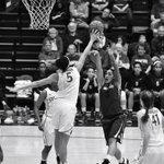 First half action: Kaylee Johnson blocks Lia Galdeiras shot @StanfordWBB #GoStanford http://t.co/l3Nc3jZ56D