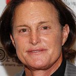 Bruce Jenner to live as woman, People magazine reports http://t.co/MpqyCQmslD http://t.co/hVmDYDO16X
