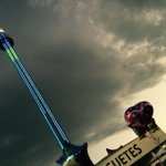 """""""@FeriaDeLeon: Torre mecánica más gde del mundo #FeriaLeón2015 http://t.co/G9mkREe7LE"""" anda @Chrisoronia jeje Más de 80 mts."""