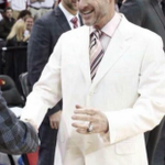 Big fan of Rick Pitinos suit today. Thats why Louisville won. http://t.co/pEWKt2dAIN