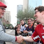 BA loves the fans. The fans love BA. Who else loves the RED @NewEraCap cap worn by @BruceArians? #NFLHonors http://t.co/qZ9eZyBnn7
