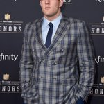 Jacket game ----> on POINT.  #NFLHonors http://t.co/ON9hFjbeO8
