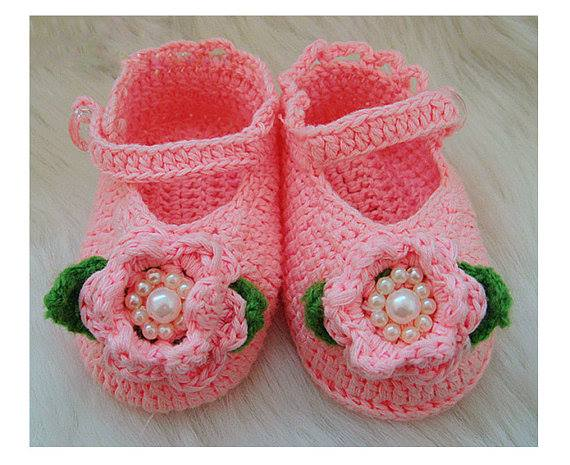 يا حياتي ما اجمل هذا الحذاء  ♥♥♥ مين منكم عنده بنوتة حلوة وأمورة؟ #شهية http://t.co/LZGGGNUHoB