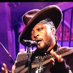 DAngelo is dressed like a chocolate-coated Carmen San Diego. #SNL http://t.co/ZbbLD40ucq