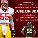 No. 55 will hang in Canton! Junior Seau is the 12th USC alum in the Pro Football Hall of Fame (tied for most ever). http://t.co/FHkvWEs5b8