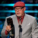 Confidence ✔️ #Swag ✔️ 2nd AP @nfl COY award in three years. ✔️ @BruceArians is the man. #NFLHonors http://t.co/FaAu4NP789