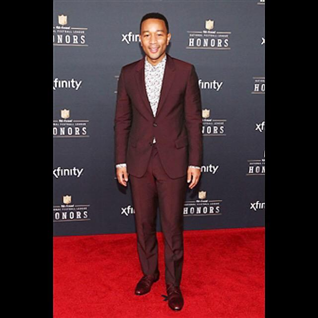 Styled - @johnlegend attends NFL Honors tonight in @WorldMcQueen suit, @PaulSmithDesign shirt and @Prada shoes http://t.co/L8yCDuG4WE