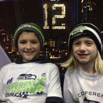At the tippy top of The Great Wheel!! GO HAWKS!! @KING5Seattle @twelfie @Seahawks http://t.co/FPAzAlDqiG