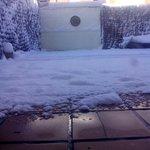 Si nosotros no vamos a la nieve,la nieve vendrá a nosotros???? http://t.co/TxoyCcqLLl