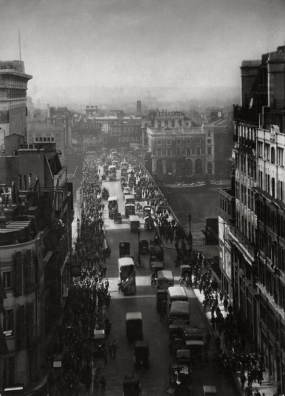 London Bridge nel 1925 http://t.co/BKovE7nbrA
