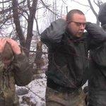 Ополченцы: украинские военные добровольно сдаются в плен и молят о пощаде http://t.co/OsX7rPIM4z http://t.co/pfwl2S4yQK