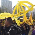 Yellow umbrellas out - Hong Kong pro-democracy march begins (Pic via @byrnechina) http://t.co/2Yjjo6zAlP http://t.co/XESC1UgzZn