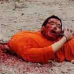 """هل ستشاهد رجل دين واحد ينتقد أفعال داعش .. هل سنسمع خطباء الجمعة وهم يرددون """" اللهم دمر داعش""""؟؟؟ http://t.co/vzHizScYMP"""