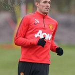 Happy birthday to Darren Fletcher from everyone at #mufc. The midfielder is 31 today. http://t.co/yj2CzRtc1h