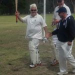 @DarrynLyons @Geelong_Mayor is there anything u cant do mate Ive just been informed u got 66* on Saturday as well! http://t.co/58KhjpRuRt