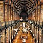 書籍『世界の美しい図書館』- 紀元前の遺跡から、最新鋭の名建築まで100館を紹介 - http://t.co/kdS5d7Vwa0 http://t.co/xpiwJkAEbH