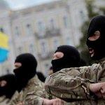 Бойцы батальонов на Майдане требуют импичмента президента http://t.co/T3PIjQ5Xi3 http://t.co/geePTtS8HB