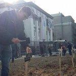 Возле посольства РФ в Киеве установили деревянные кресты http://t.co/7BTEhonXBj http://t.co/MBfLT3qkRa