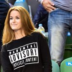Kim Sears wore this to the Australian Open final http://t.co/ec7LyZt0S7 http://t.co/vCC49khvNf
