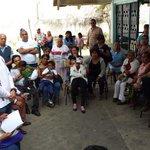 Converso con vecinos de La Lagunilla que me invitaron a estar en el consejo de participación ciudadana #Cuernavaca http://t.co/TK7yNuW9UI