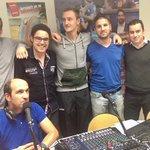 Bravo les Bleus et @ValHand28 qui était venu dans notre studio il y quelques temps déjà ! Un mec super et plutôt doué http://t.co/FbOI37ObiO