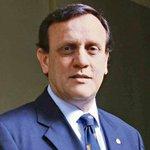 Revisa las declaraciones del rector de la PUC sobre el proyecto de depenalización del aborto http://t.co/qYlaG2JRwz http://t.co/teOJ2w8LdB