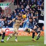 Billy Sharp seals dramatic derby win over Huddersfield - http://t.co/sBE84wBclb #LUFC http://t.co/xW9Y40njxq
