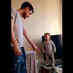 """[Video] Lo + Visto esta semana: La """"discusión"""" entre una bebé y su padre es furor en la web http://t.co/J0qS6ae9oC http://t.co/2qpiMJiNUS"""