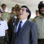 """Humor político-->Partido Socialista:""""Tener una Presidenta como Bachelet y que sea socialista, es como tener a Messi"""". http://t.co/16ZEt9UmiO"""