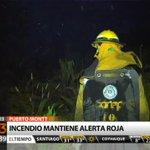 #T13Tarde VIVO Incendio en Puerto Montt cercano a viviendas mantienen en alerta roja a la zona http://t.co/YU62AmEeFG http://t.co/AiHyP8WkzR