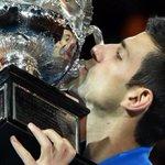 Djokovic logra ser el primer jugador de la era Open con 5 victorias en el Abierto de Australia http://t.co/QSn3kDQfmP http://t.co/qDAYeWy8ox
