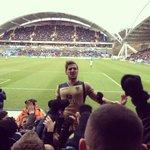 Video: Leeds fans celebrating Sharps 90th minute winner against Huddersfield yesterday. http://t.co/YBLJ1qAvbf #LUFC http://t.co/pcMYKBs7KP