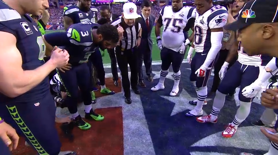 Tails! @Seahawks choose to defer. #SB49 http://t.co/Yequnukgq8