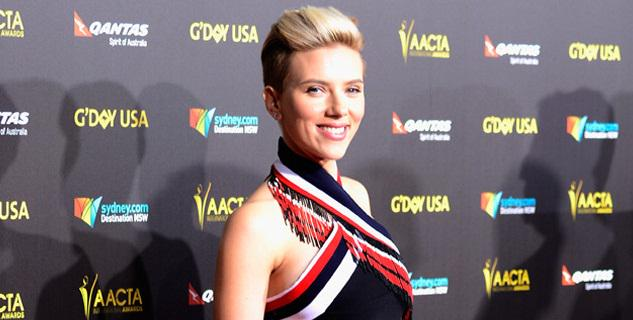In case you didn't already know, Scarlett Johansson is One. Hot. Mama. See the pic!