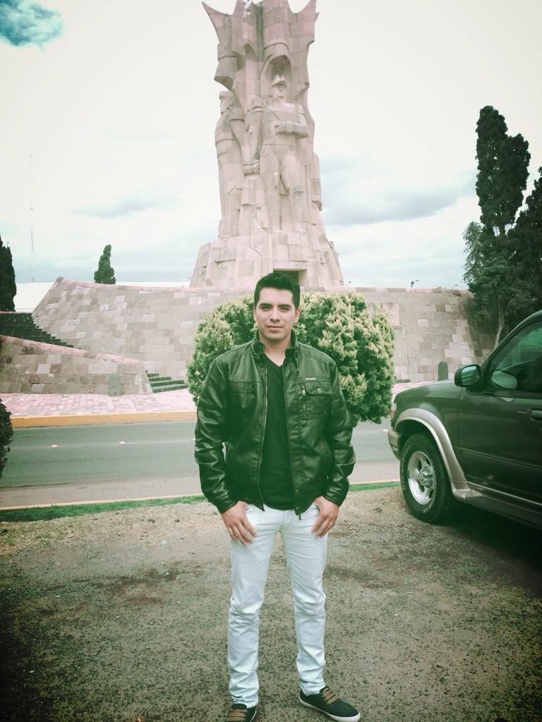 Arturo Vargas Rios (@LosPrimosArturo): Me importas de sobra, el problema que a ti, no te importo yo
