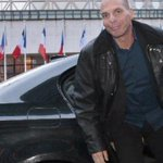 Greece finance minister wants to hold talks soon in Berlin, Frankfurt http://t.co/rKNzCLeVci http://t.co/CJcNltWUaD