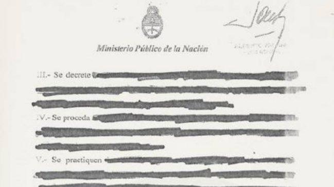 Hallan en la basura denuncia de #Nisman donde pedía detención de Fernández! http://t.co/XE505JGwbL http://t.co/ChaOiDTJFn Tanto descuido...?