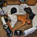 #SiguiendoChilenosQueEnVerano #EsteDomingoSoloSigoChilenos cagados de el calor weon! http://t.co/znKLxaLhg7