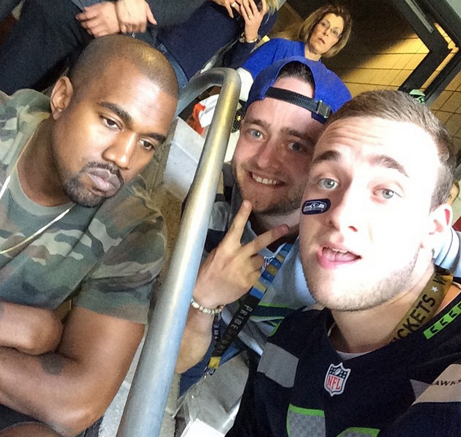 Kanye West having a blast at the Super Bowl. http://t.co/GCKcAXGaS8