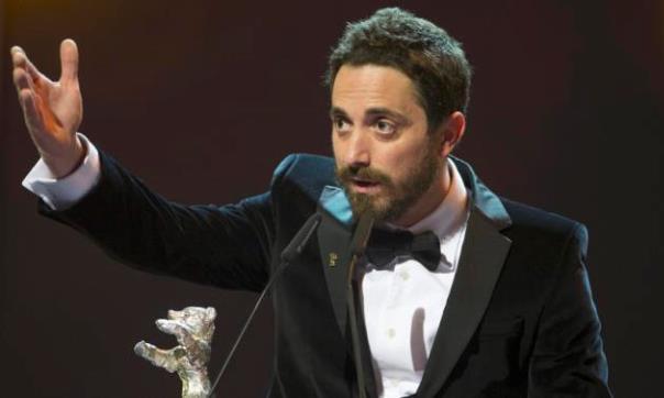 Fotos de una noche histórica del cine chileno en la #Berlinale2015 con los premios a Pablo LARRAÍN y Patricio GUZMÁN http://t.co/FILviibkD7