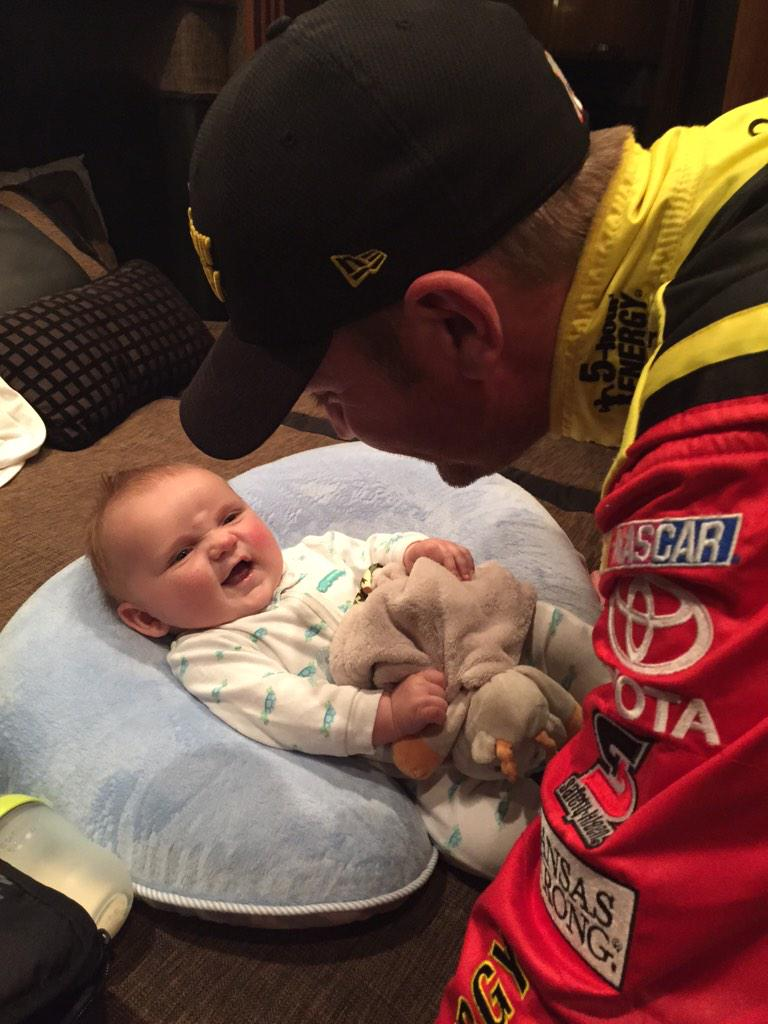 Cash is having a pep talk with @ClintBowyer before the race! http://t.co/EED72aPmiP