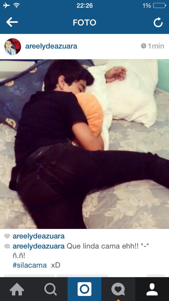 Harold Azuara Grey (@haroldazuara): No recuerdo esa foto... Ni esa cama... Ni esa ropa