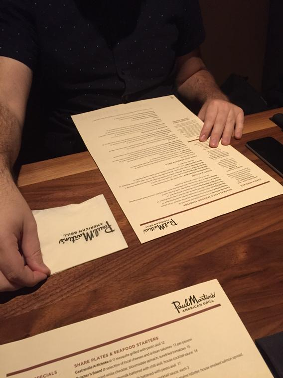 So @mdo is trying to explain CSS floats to my wife using napkins and a menu. http://t.co/toHBRzvYxu