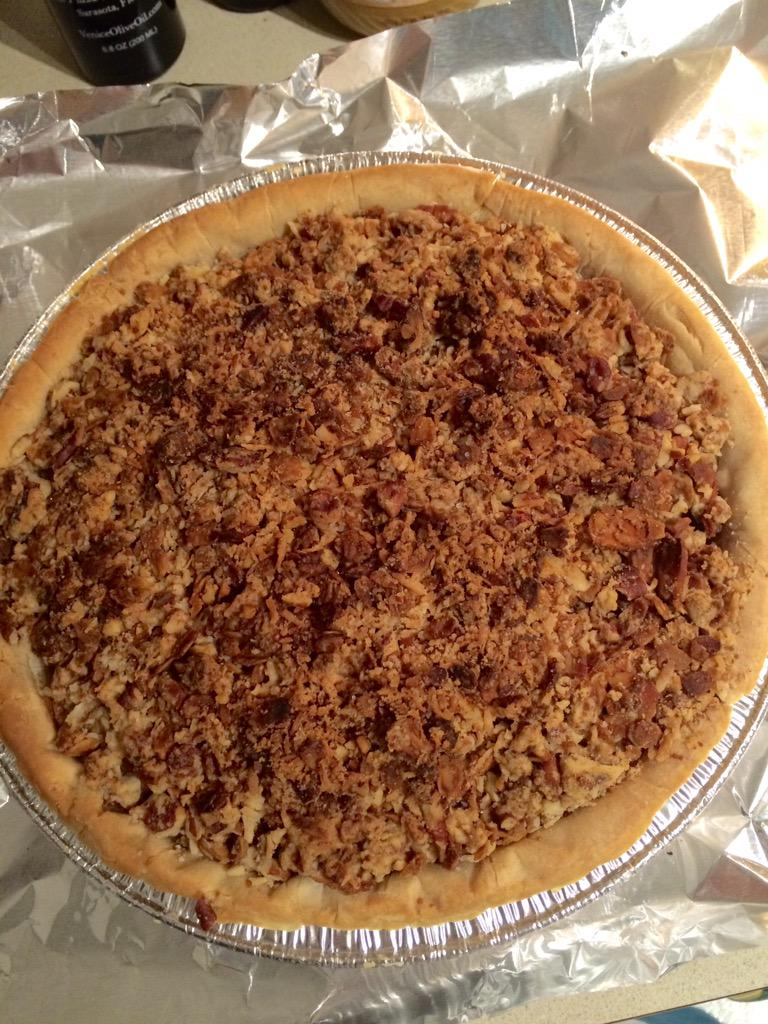 I made a Gluten free Dairy Free apple pie w/ pecan coconut flaxseed streusel topping ?#domesticgoddess
