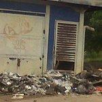 Ayer tamb cumplió un Año cerrado Mercal  Los Alacranes por incendió que afectó depósito  http://t.co/roTMbn347a @JOSELPRAT @ClementeScottoC